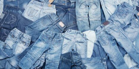 Ingin Celana Jeans Tahan Lama? Pakai 4 Trik Ini