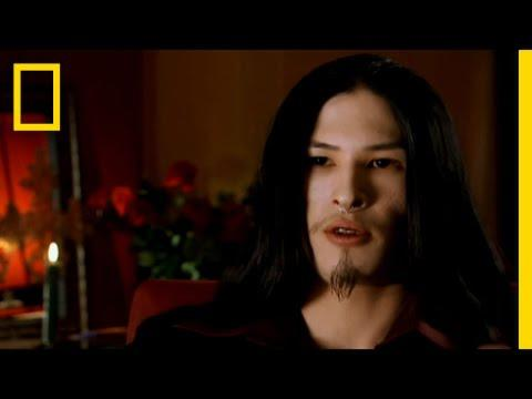 Ilmuwan Modern ini Mendokumentasikan Vampir!
