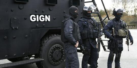 Makkah Dikudeta, Dibebaskan oleh Pasukan Khusus Perancis | KASKUS