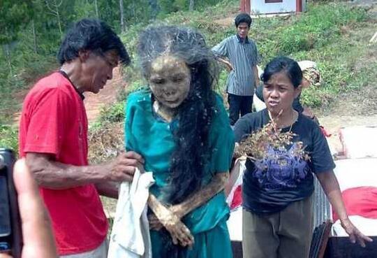 Ritual Menari dengan Orang Mati