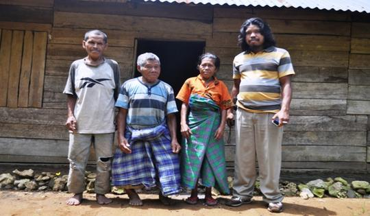Suku-suku bertubuh cebol dan berwajah manusia purba yang masih ada di Indonesia