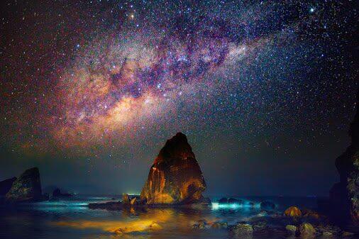 Spot Wisata Indonesia Terbaik untuk Melihat Milky Way di Langit yang Bertabur Bintang