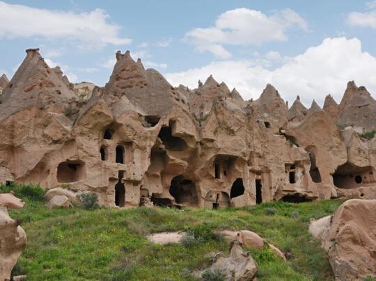 MENYAMBANGI KEUNIKAN CAPPADOCIA DI TURKI
