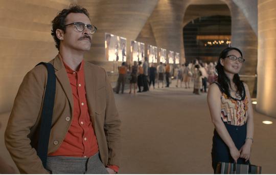 "Perspektif seorang Joaquin Phoenix Dalam Perannya sebagai Theodore di Film ""Her"""