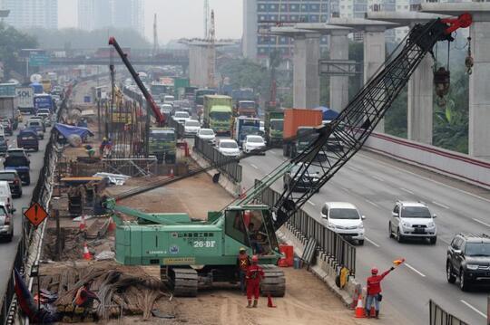 Tiga tahun Jokowi-Kalla, antara pembangunan jalan dan pengangguran