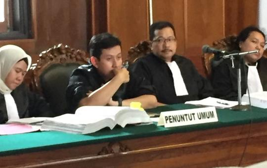 Jaksa Bentak Ustadz Alfian, Pengunjung Sidang: Jangan Kurang Ajar pada Ulama!