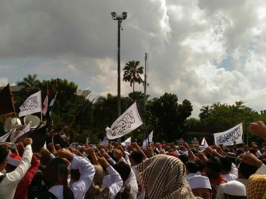 AMARAH UMAT ISLAM AKIBAT KICAUAN DONAL TRUMP