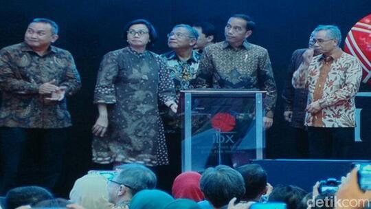 Ditutup Jokowi, IHSG Cetak Rekor di 6.355