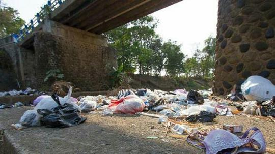Buang Sampah Popok Bayi Ke Sungai Sebuah Mitos Yang Terus