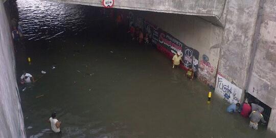 Perbedaan Underpass Indonesia Dan Belanda Di Musim Hujan.