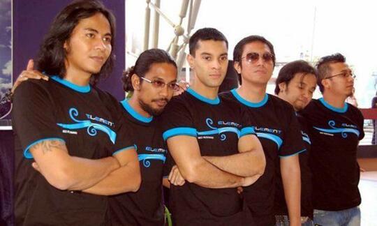 Meski Laku Band Lokal 90'an Ini Kerap Di Buli & Dianggap Kampungan