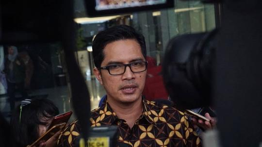Kpk Periksa Dua Anggota Dprd Mojokerto Dari Pdip Dan Pan Kaskus