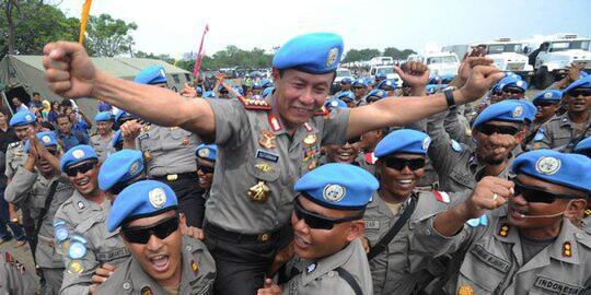 4 Tokoh Yang Hidup Sederhana Kini Menjadi Seorang Jenderal