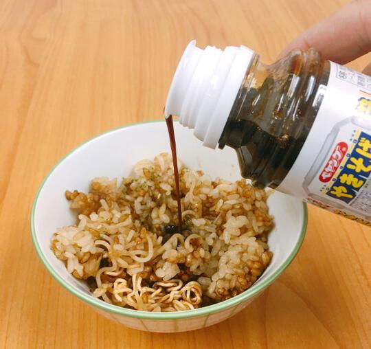 Begini Jadinya Kalo Mie Instan Dimasak Bareng Nasi