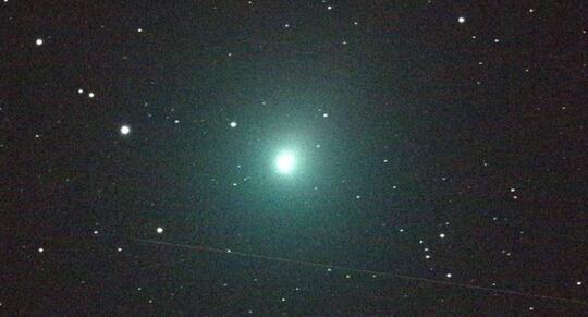 Berada Dekat Bumi, Komet Super Terang Terlihat di Indonesia?