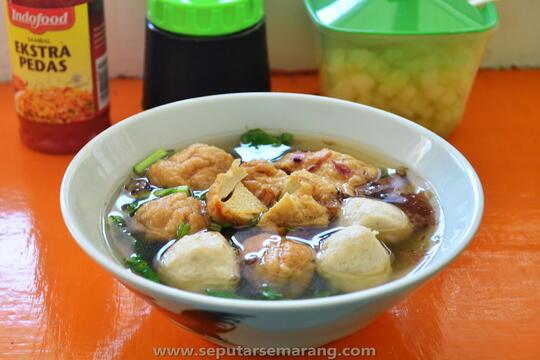 8 Kuliner Khas Semarang Cocok Disantap saat Musim Hujan, Ada Soto hingga Bakso Kakap