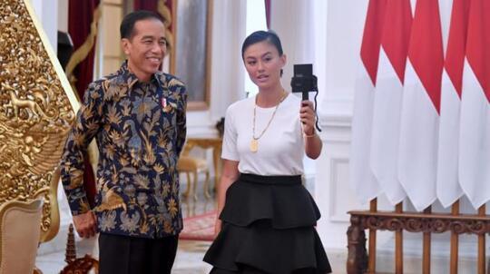 Kunjungi Presiden Jokowi, Agnes Monica Minta Bantuan Ini