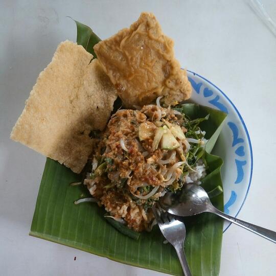 8 Alasan Orang Indonesia Suka Makan Gorengan, Nomor 6 Jadi Kenangan
