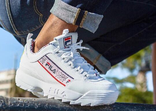 Sneakers Ini Ajak Generasi 90an Bernostalgia. Kayak Apa ya?
