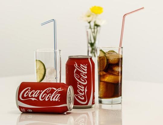 Dikenal Bahaya, Ternyata Minuman Bersoda Punya 3 Manfaat Ini Lho!