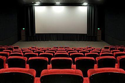 Demam Avengers: Endgame! 5 Kebiasaan Buruk yang Sering Dilakukan di Dalam Bioskop