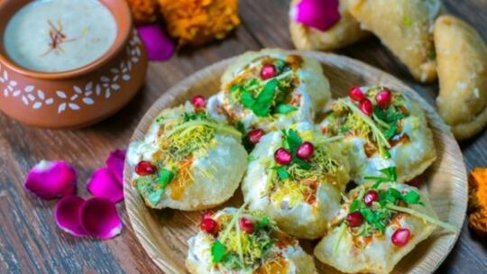 9 Makanan Kaki Lima Delhi India Yang Bisa Menggugah Selera Makan