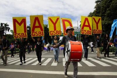MISTERI Simbol Huruf A dan Massa Berbaju Hitam Saat Demo Buruh Terungkap