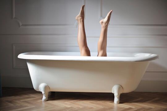 Syurrrr.... Ber-shower Air Dingin Abis Olahraga Ternyata Banyak Faedahnya