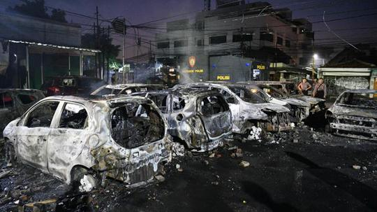 Situasi Terkini Aksi Massa dan Upaya Masyarakat Merajut Kembali Persatuan Indonesia