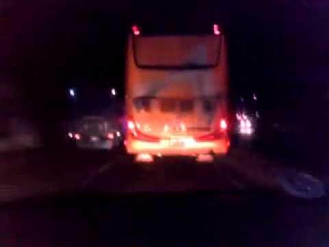 Hati-hati Yang Biasa Mengekor Bus