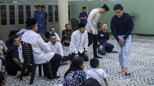 Takziah Ani Yudhoyono dengan Jins Dibully, Kaesang Minta Maaf