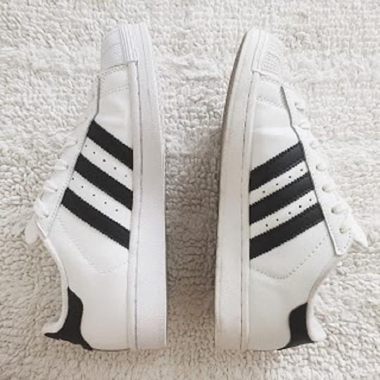 Membedakan Adidas Superstar Asli dan Palsu, Simak Caranya Gan!