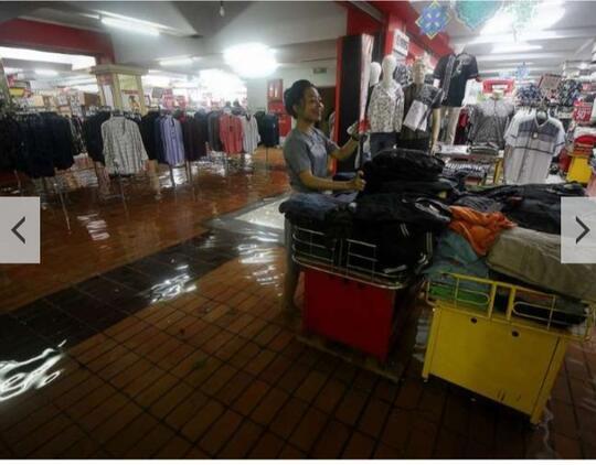Banjir Di Mall! Menghayal Yuks