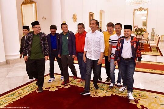 Presiden Jokowi Aja Bangga Pakai Brand Lokal, Masa Lo Enggak Bro?