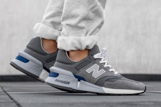5 Rekomendasi Running Shoes Cowok untuk Style Casual