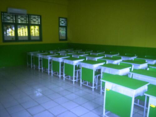 Perubahan Meja Sekolah Dari Masa ke Masa, Agan Pernah Mengalami ini?