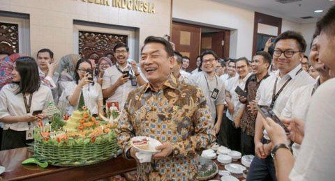 Rizieq Jadi Mahar Damai Prabowo - Jokowi, Moeldoko: Pulang Saja Sendiri