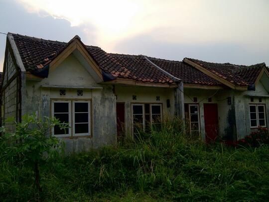 Boncengin Kuntilanak Rumah Kosong di Perumahan Bekasi Timur
