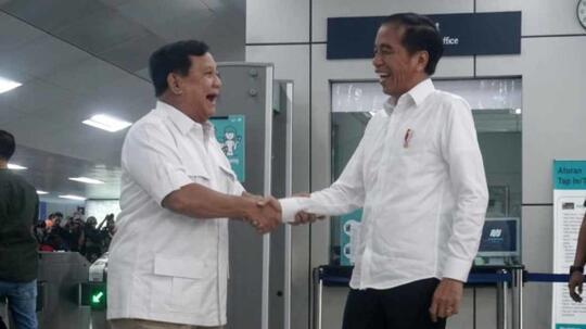 Pendukung 02 Gigit Jari! Prabowo Akhirnya Bertemu Jokowi