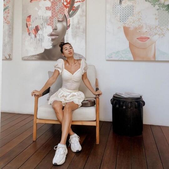 10 Liburan Jennifer Bachdim yang Bikin Jatuh Cinta, Pamer Body Goals!