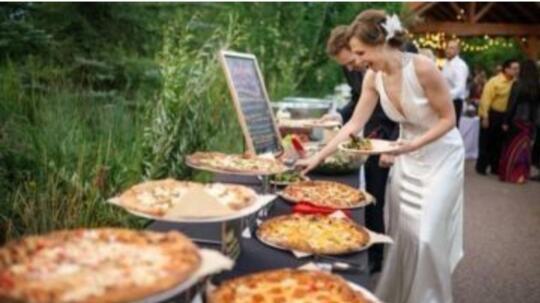 Pernikahan Pizza, Bagaimana Menurut Agan Dan Sista? Mainstream Tidak?