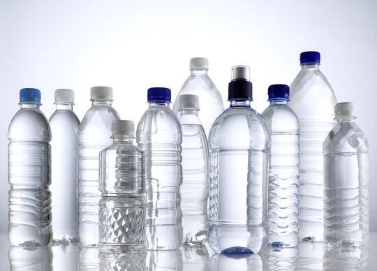 Jangan Pernah Isi Ulang Botol Air Mineral Kemasan! Ini Alasannya