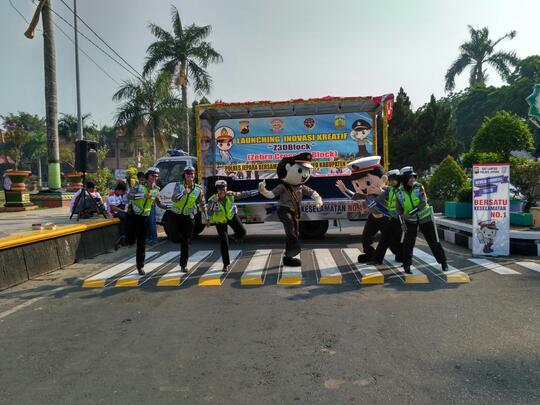 Sejarah Zebra Cross di Dunia & di Indonesia