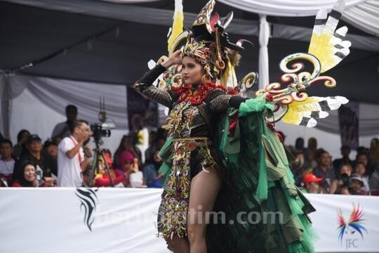 FPI: Stop Jember Fashion Carnaval!