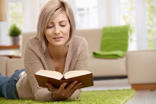 Lebih Suka Baca Cerpen & Novel Via PDF-Aplikasi Atau Buku?