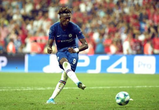 Adrian Bawa Liverpool Kembali Berpesta di Istanbul