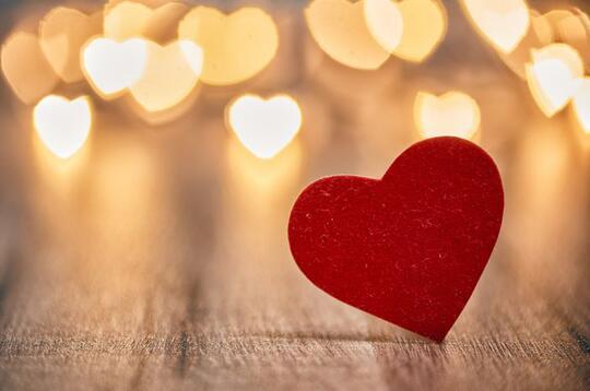 Susahnya Menjadi Diri Sendiri Saat Jatuh Cinta