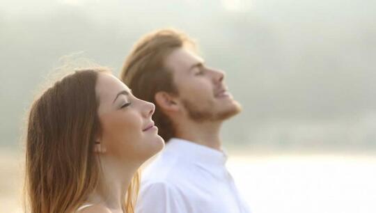7 Cara Relaksasi Paling Mudah dan Efektif, Buatmu Terbebas dari Stres