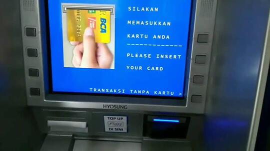 Kartu ATM Bakal Punah, Gimana Cara Ambil Duitnya?
