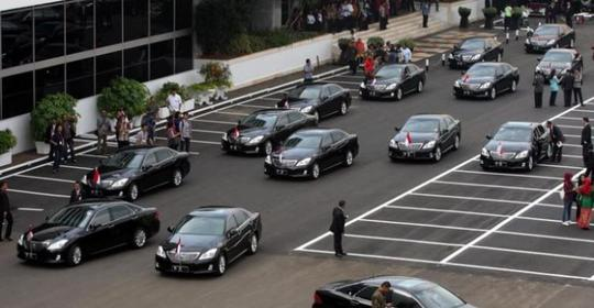 Deretan Merek Mobil Ternama yang Pernah Menemani Menteri – menteri RI